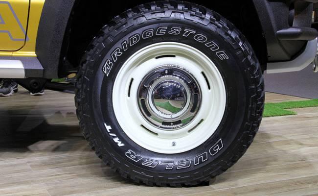 «Живые» двух новых версий Suzuki Jimny: экстремальный внедорожник и пикап