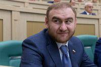 Один из фигурантов дела сенатора Арашукова скрылся от следствия