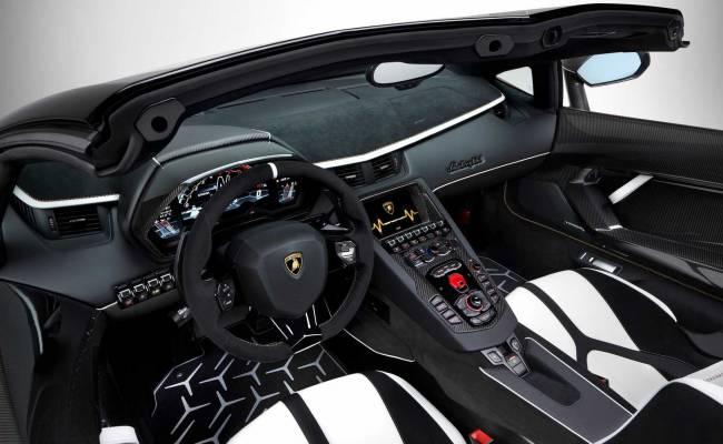 Lamborghini привезла в Женеву самый мощный в истории Aventador SVJ Roadster