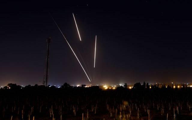 Радикалы из сектора Газа выпустили около 30 ракет по Израилю