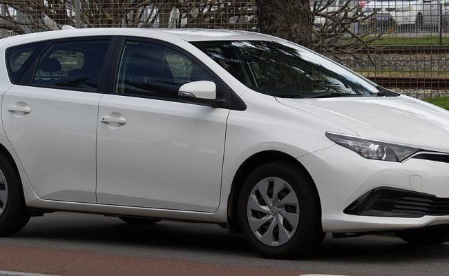 Источник: российский Aurus подает в суд на Rolls-Royce (за дизайн) и на Toyota (за имя)