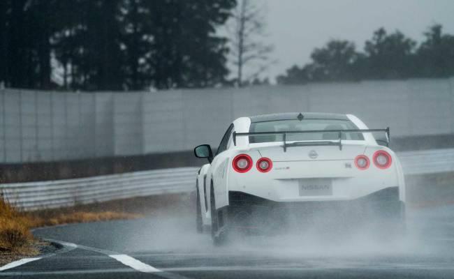 Nissan показал в Нью-Йорке GT-R 50th Anniversary Edition. И он быстр!