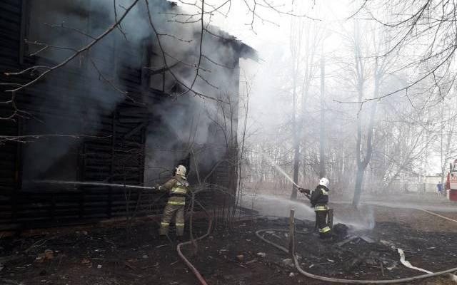 Крупный пожар на складе в Воронежской области локализован