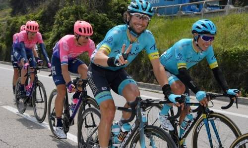 «Нам повезло». В «Астане» рассказали об опасном моменте на «Джиро д'Италия»