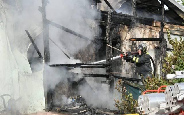 Три человека погибли на пожаре в Оренбургской области