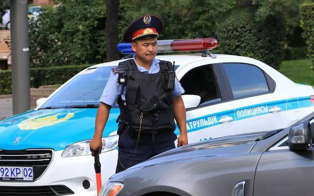 Во время митингов в Казахстане были травмированы 300 полицейских