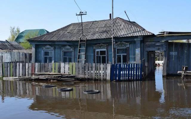 Из-за ливней в Новгородской области отрезан проезд к 15 населенным пунктам