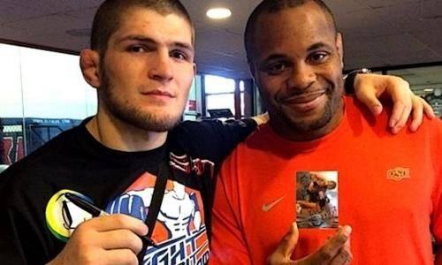 Нурмагомедов прокомментировал сенсационное поражение экс-чемпиона UFC в двух весовых категориях