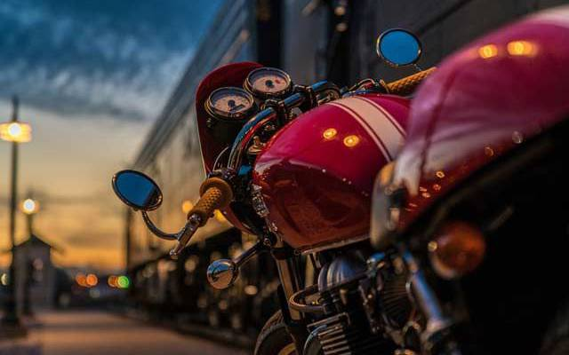 Мотоциклист сбил трех человек на пешеходном переходе в Подмосковье