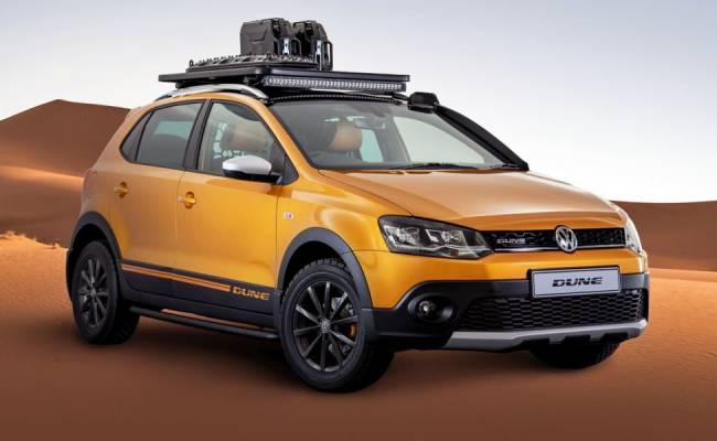 Это Volkswagen Polo Vivo Dune, и у него мощный прожектор на крыше