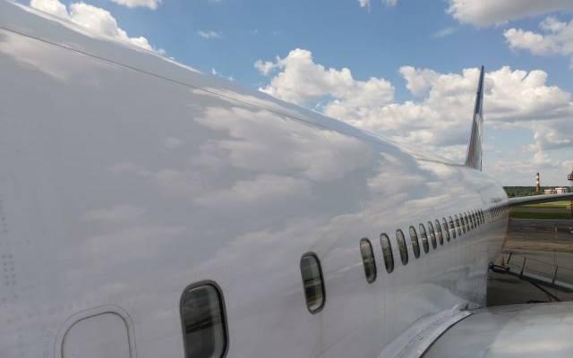 Самолет «Уральских авиалиний» аварийно сел в Сочи из-за проблем с шасси