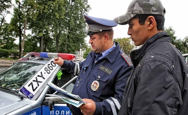 ГИБДД придумает механизм для наказания водителей на автомобилях с иностранными номерами