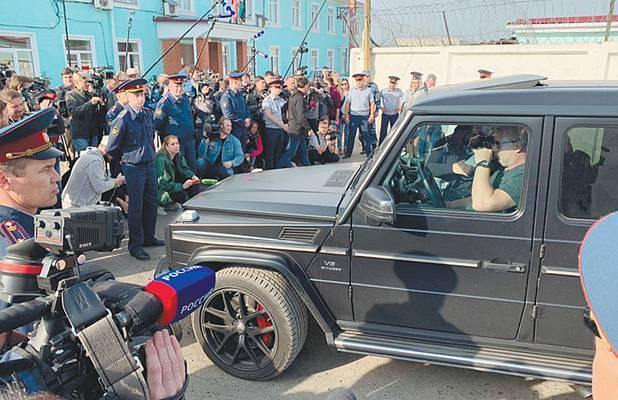 После освобождения Мамаева и Кокорина в колонии приготовились к большому шмону