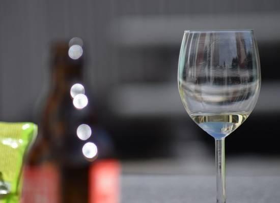 Минздрав определил ежедневную безопасную дозу алкоголя