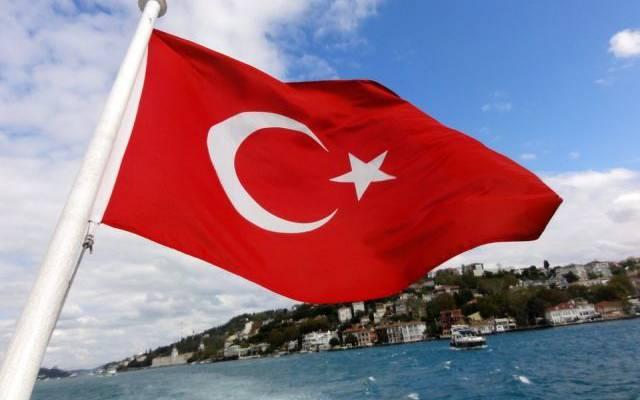 Двух детей из РФ облили горящим маслом в турецком отеле — СМИ