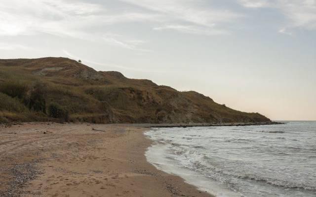 Катер с тремя людьми пропал в Азовском море