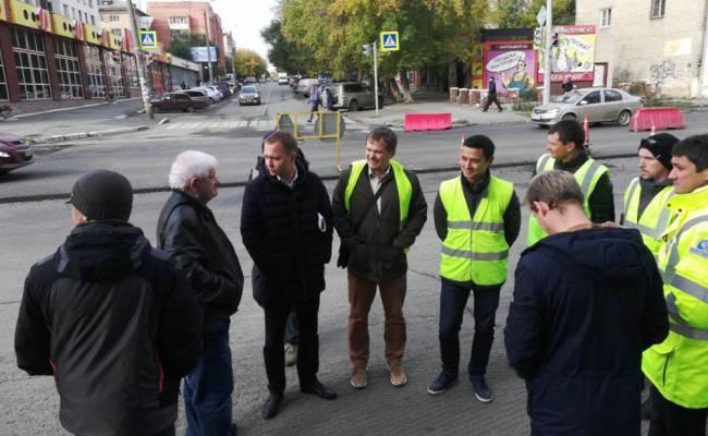 Общественники проверили ход ремонта дорог Челябинска