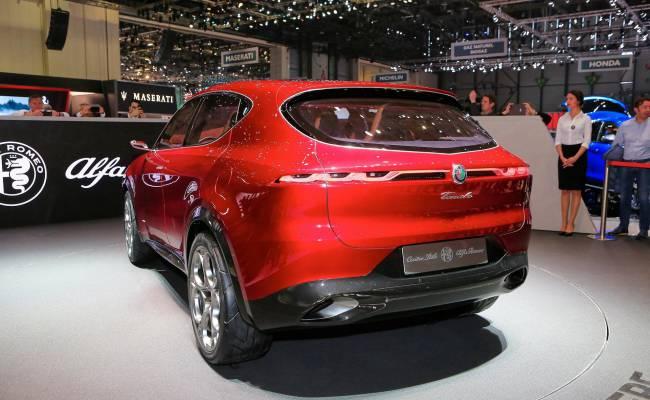Опубликованы фотографии нового кроссовера Alfa Romeo, и выглядит он блестяще