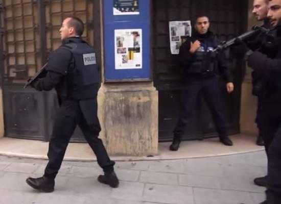 Французские власти закрыли четыре школы за распространение радикальных идей
