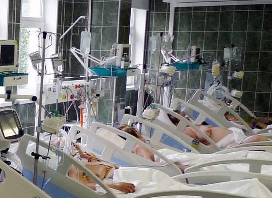 Минздрав уточнил правила посещения пациентов в реанимации: можно даже коллегам