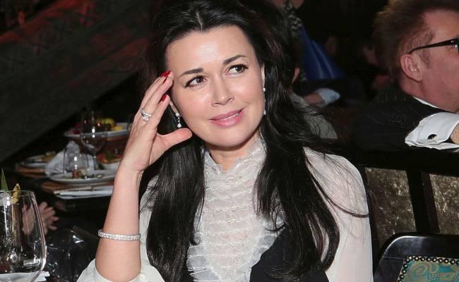 Врач-онколог оценил слухи о скорой смерти Заворотнюк