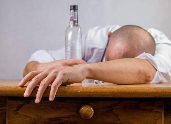 Эксперт раскритиковал Минздрав за подсчет алкоголиков: «Это нелепость!»