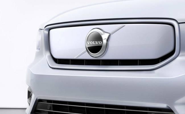 Volvo XC40 Recharge стал первым серийным электромобилем компании