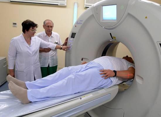 Минтруд предложил бесплатно лечить пенсионеров в частных клиниках