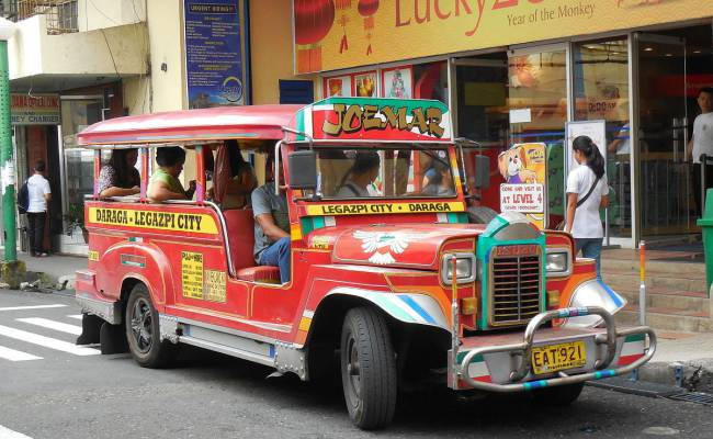 На базе ГАЗели на Филиппинах начали делать забавные маршрутки (ФОТО)