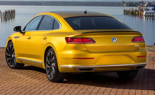 Volkswagen представил яркий минивэн бизнес-класса с шикарными креслами