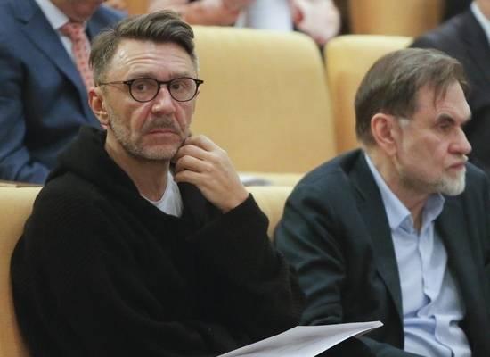 Шнуров отказался верить в запрос общества на образованных людей