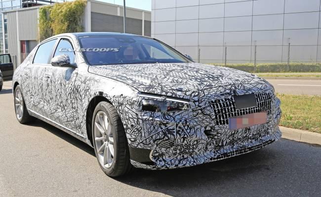 Mercedes-Benz сохранит двигатель V12 под капотом у S-Class