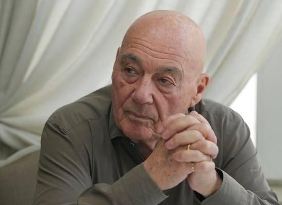 Познер отказался отвечать на нападки Певцова, обвинившего его в предательстве