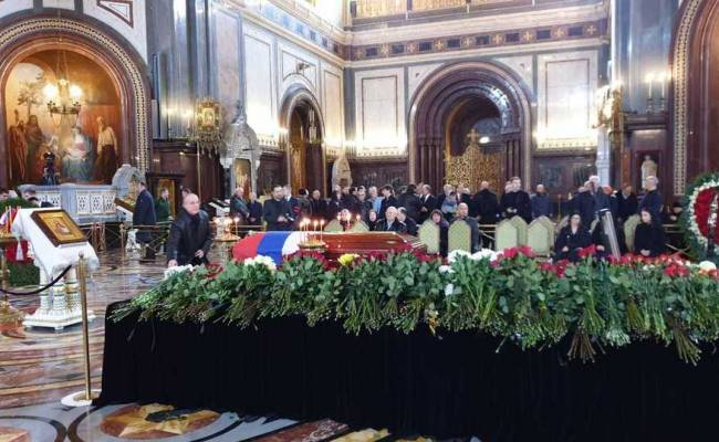 Прощание и похороны Юрия Лужкова: онлайн-трансляция