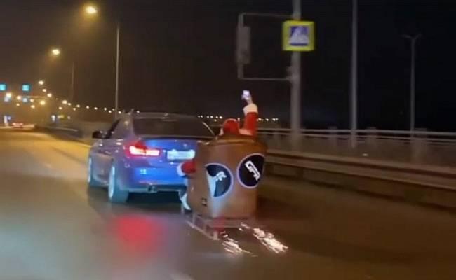 Водитель получил штраф за перевозку Санта-Клауса по дорогам Ростова
