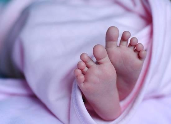 Выяснились подробности личной жизни женщины, отдавшей младенца серийной торговке детьми