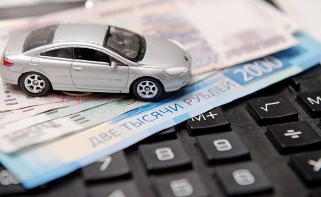 Россияне покупают в кредит все более дорогие автомобили