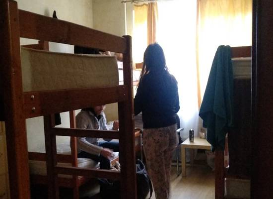 """""""Месяц доработаю и увольняюсь"""": незаметные ужасы российских хостелов"""