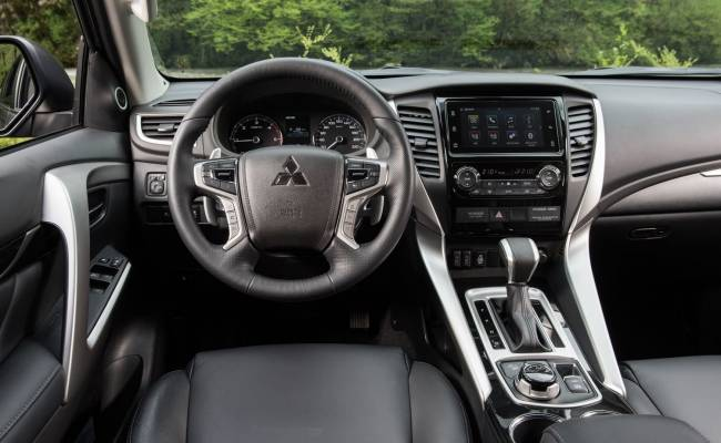 Обновленный Mitsubishi Pajero Sport придет в Россию только с бензиновым мотором