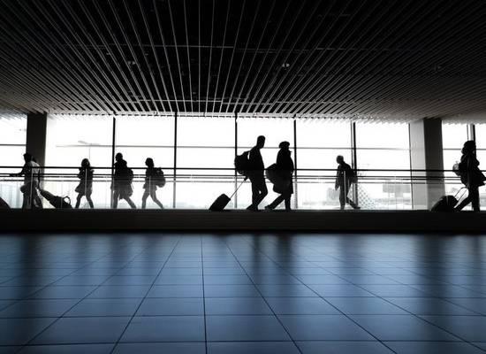 В московском аэропорту начали работать первые курилки