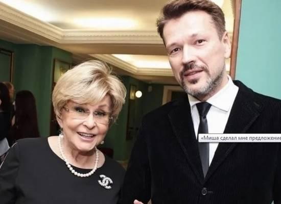 """77-летняя Ангелина Вовк пришла в ЗАГС с молодым женихом: """"Душа трепещет"""""""