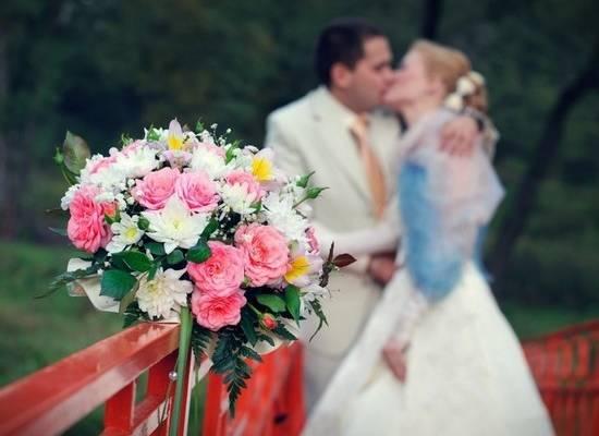 Россияне стали чаще жениться и реже разводиться