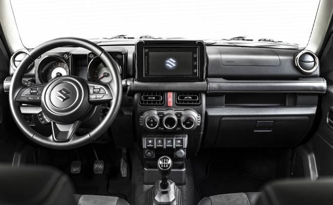 В Японии выстроились очереди за Suzuki Jimny: на всех желающих их не хватает