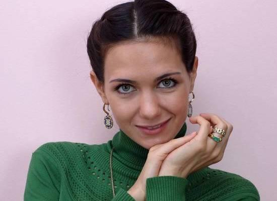 Елизавета Климова снялась с задравшейся юбкой в стиле Мерлин Монро