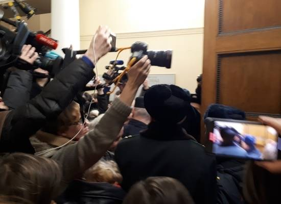 """Заседание по делу """"Сети""""* в Петербурге закончилось давкой"""
