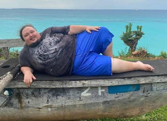 Сын Никаса Сафронова решил располнеть до 250 кг