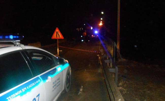 Большегрузы и автобусы отправляют в объезд аварийного моста в Фокино на трассе Владивосток — Находка