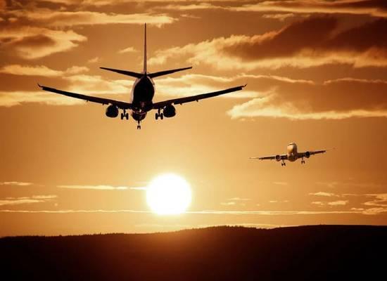 Регулярные и чартерные авиарейсы прекращаются в России