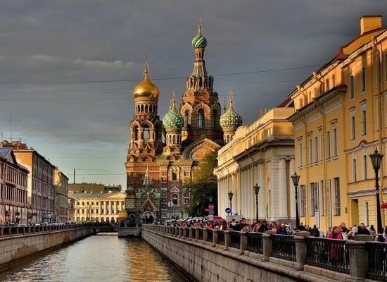 В Петербурге запретили посещать храмы