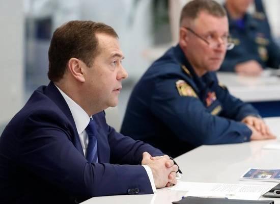 Медведев призвал российских граждан проявить самодисциплину из-за коронавируса